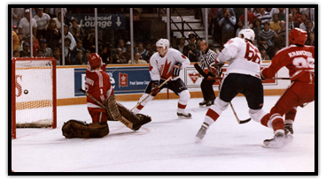 Mario Lemieux scoring the winning goal of the Canada Cup